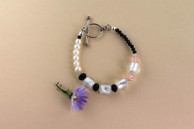 _0001_26d Elegantly Maybe bracelet  0260515B